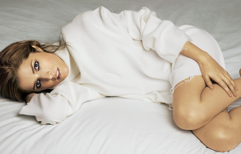 Фото обои поза, актриса, Anna Kendrick