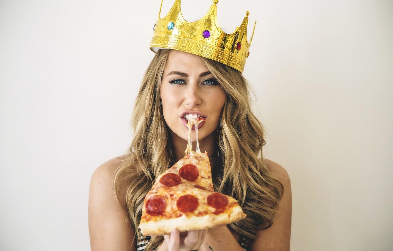 Фото обои взгляд, блондинка, Crown, Pizza, Carter Cruise