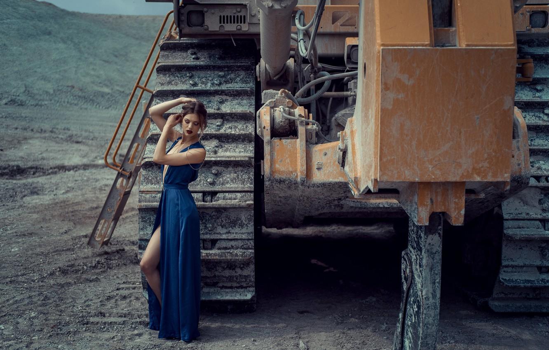 Фото обои поза, техника, платье, Nathalie Becker, Andreas-Joachim Lins