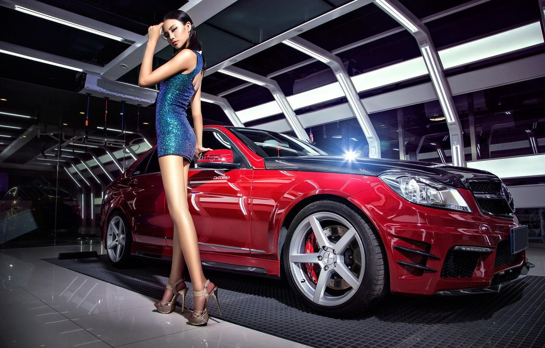 Фото обои взгляд, Девушки, Mercedes, азиатка, красивая девушка, красный авто