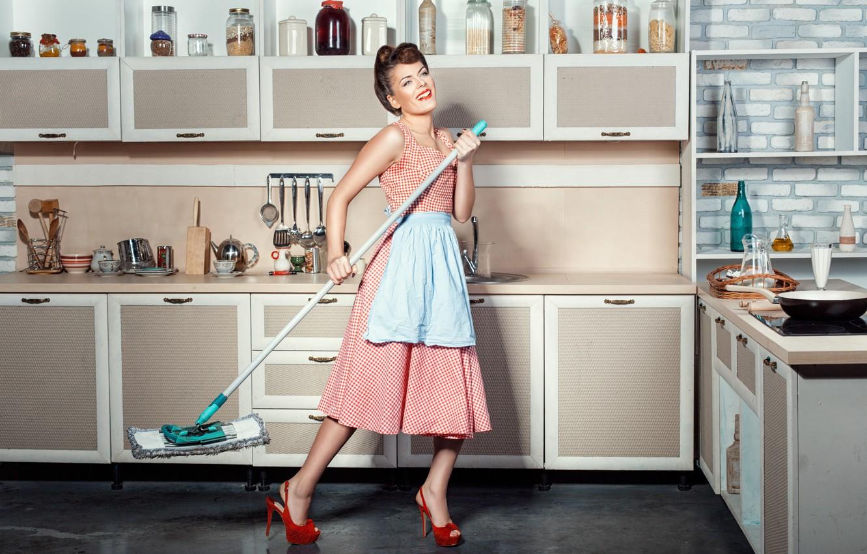 Фото обои девушка, уборка, кухня, швабра