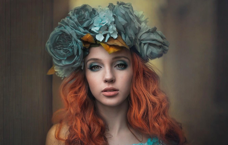 Фото обои взгляд, девушка, цветы, лицо, портрет, макияж, рыжая, венок, рыжеволосая, Anna Buczek, Wiktoria