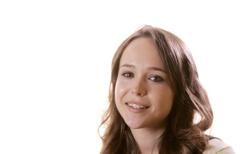 Фото обои улыбка, актриса, брюнетка, Эллен Пейдж, кареглазая, Ellen Page