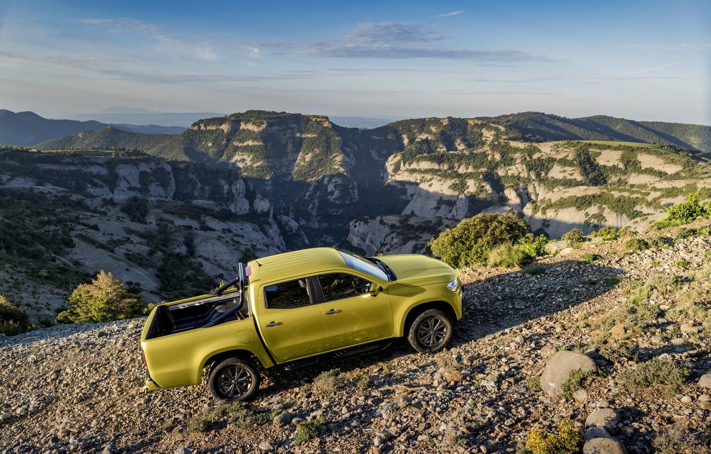 Фото обои пейзаж, горы, камни, жёлтый, растительность, Mercedes-Benz, бездорожье, пикап, рельеф, 2017, X-Class