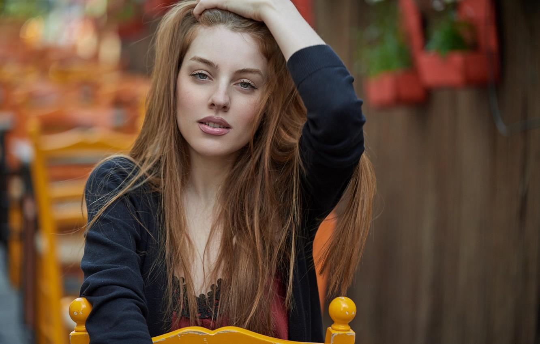 Фото рыжей девушки в позе — pic 12