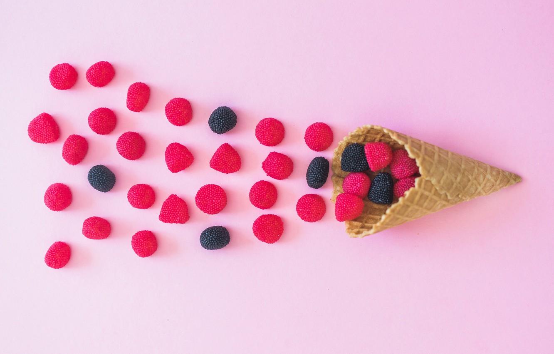 Фото обои розовый фон, сахарный рожок, мормелад