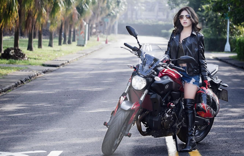 Фото обои девушка, улица, мотоцикл