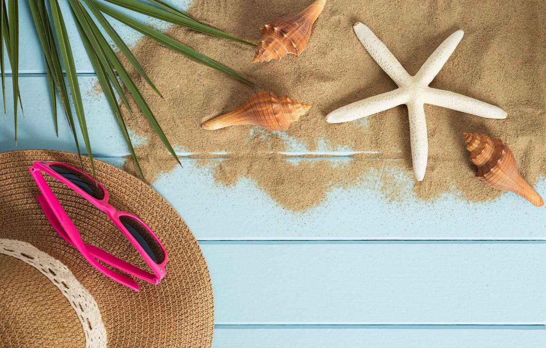 Фото обои песок, пляж, лето, отдых, звезда, отпуск, шляпа, очки, ракушки, summer, happy, beach, sand, vacation, starfish, …