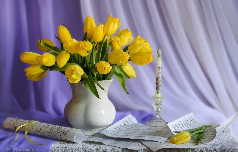 Фото обои ноты, свеча, тюльпаны, натюрморт