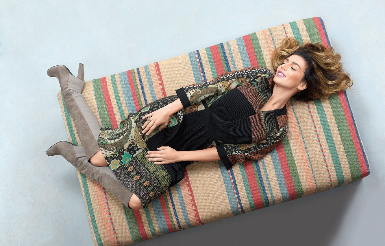 Фото обои улыбка, певица, Анна Седокова