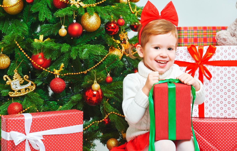 Фото обои радость, подарок, елка, девочка, год, новый