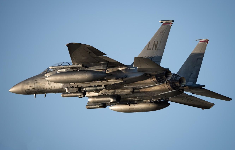 Обои летит, синее небо, F-15E, небо, боевой самолет. Авиация foto 6