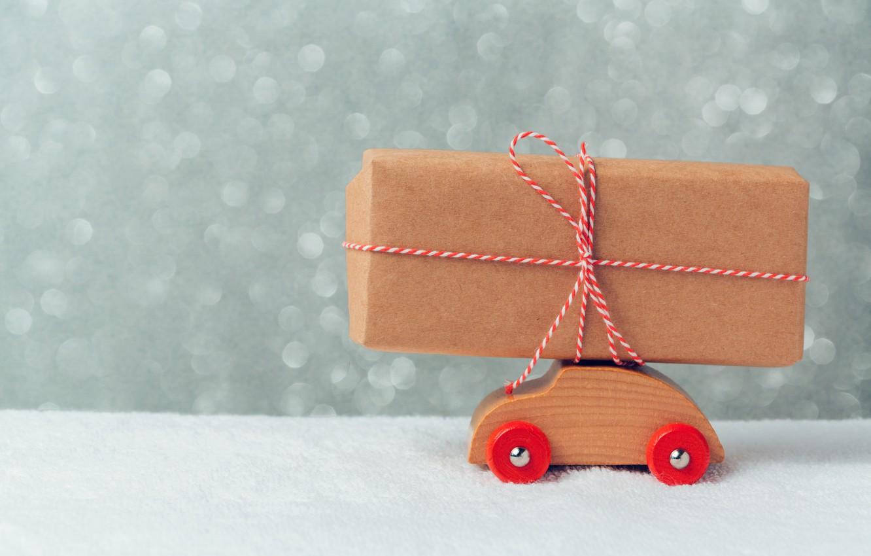 Фото обои снег, подарок, игрушка, Машинка