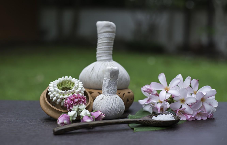 Фото обои цветы, спа, мешочки, плюмерия, морская соль