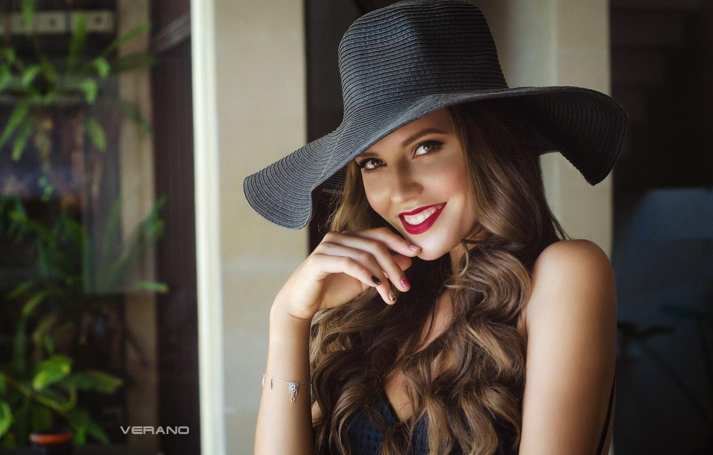 Обои шляпа, девушка, улыбка. Разное foto 12