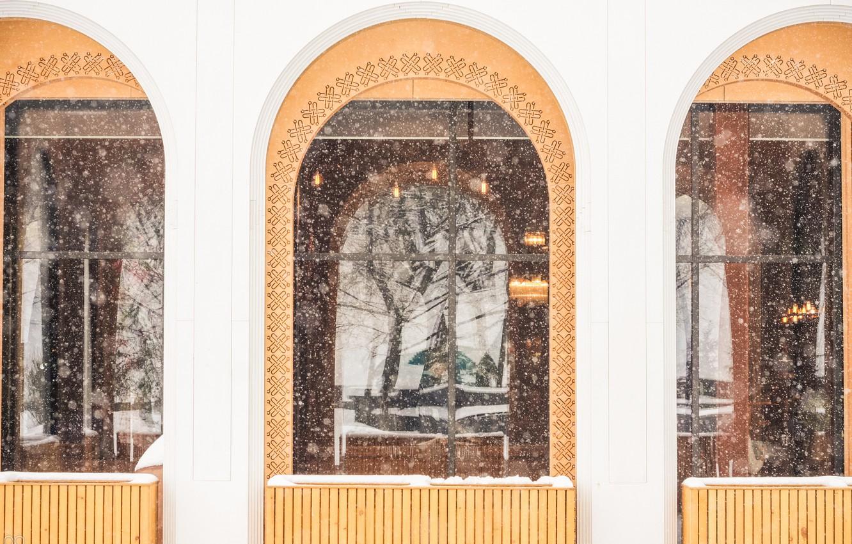 Фото обои зима, белый, снег, фото, фотография, окна, минимализм, бар, выстрел, minimal, фотограф, кафе, ресторан, white, архитектура, …