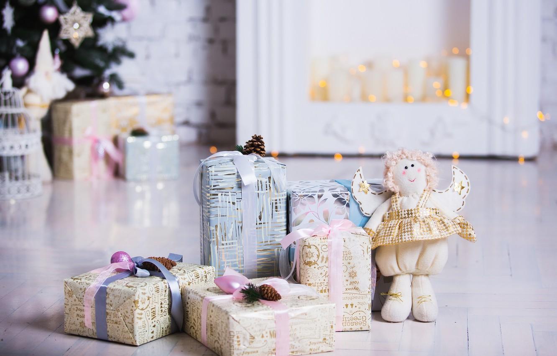 Фото обои украшения, комната, игрушки, елка, Новый Год, Рождество, подарки, white, Christmas, design, wood, Merry Christmas, Xmas, …