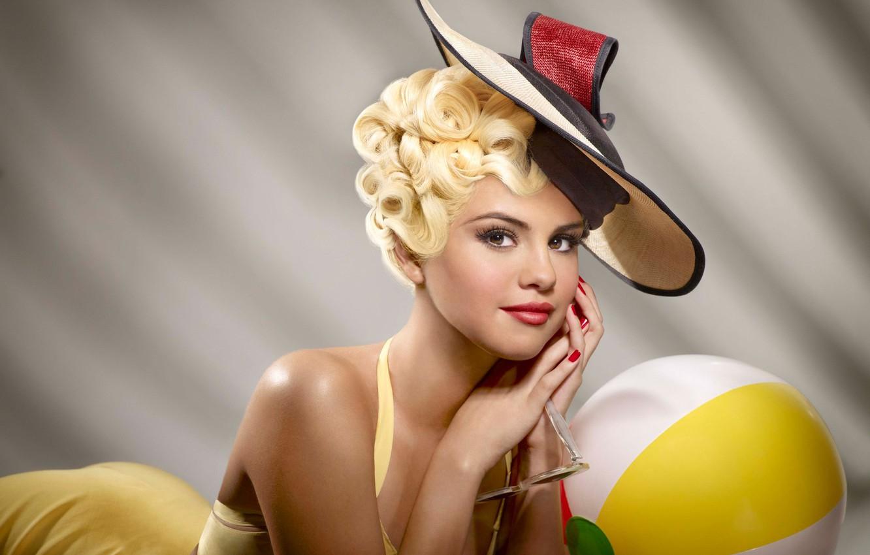 Фото обои фон, макияж, платье, очки, прическа, блондинка, шляпка, красотка, фотосессия, Селена Гомес, промо, Selena Gomez, музыкальный ...