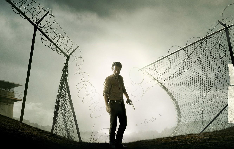 Фото обои повязка, тюрьма, колючая проволока, The Walking Dead, Rick Grimes, Ходячие мертвецы, Andrew Lincoln, Эндрю Линкольн