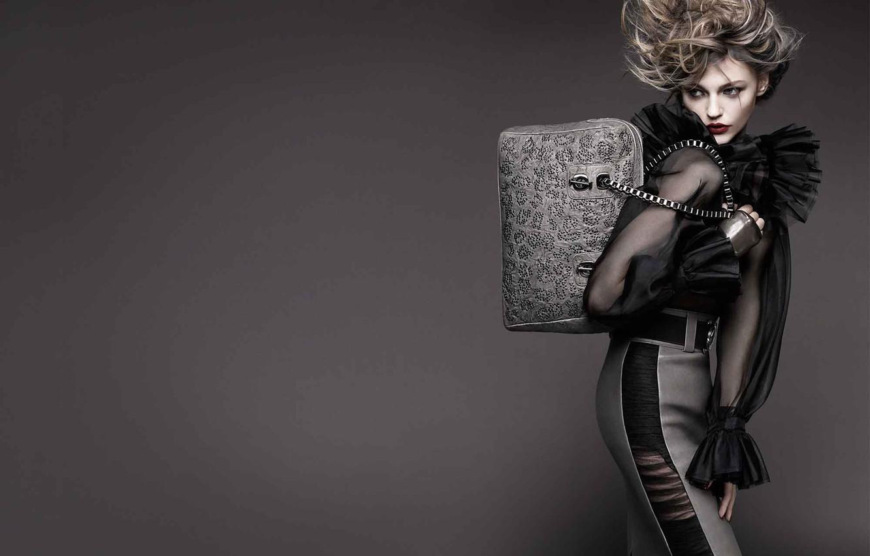 Фото обои платье, сумка, причёска, серый фон, мода, шик, Pivovarova, серебристы
