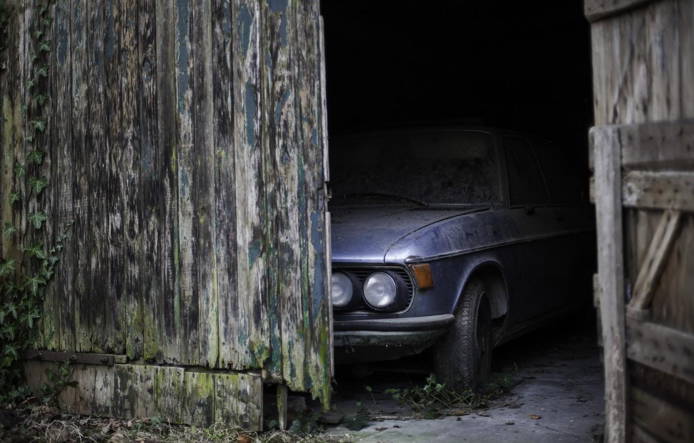 Фото обои машина, гараж, дверь