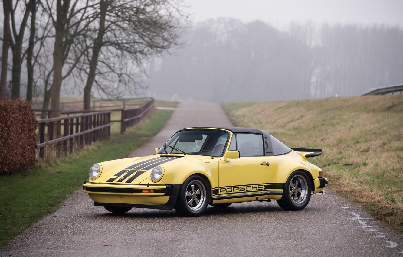 Фото обои дорога, осень, желтый, туман, 911, Porsche, автомобиль, road, Carrera, autumn, fog, Targa
