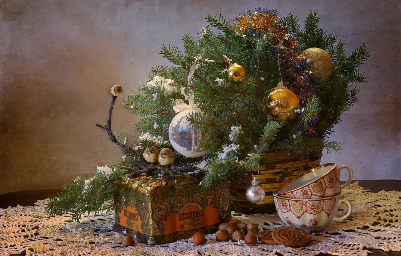 Фото обои зима, чай, елка, новый год, рождество, птички, орехи, натюрморт, декабрь, композиция, урашения