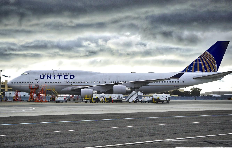Фото обои небо, Аэропорт, Boeing, Взлёт, Боинг, B747, American Airlines, A321, Б747
