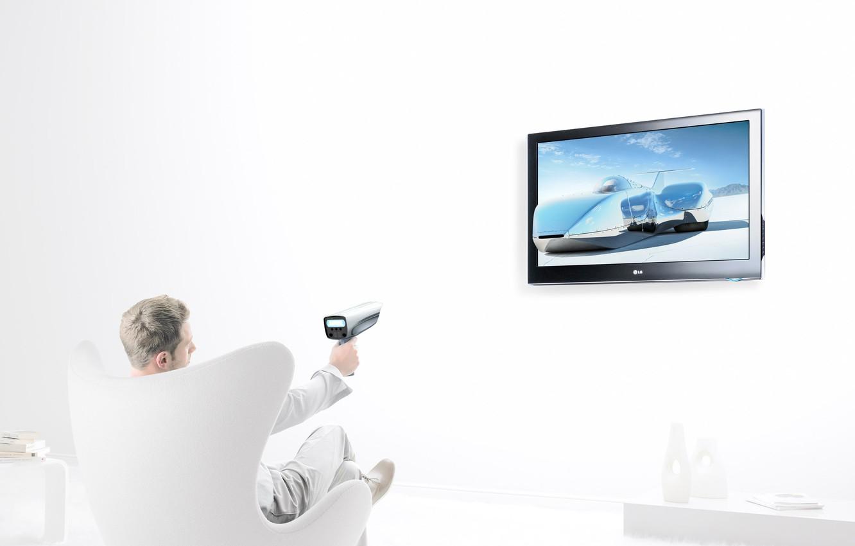 Фото обои креатив, кресло, телевизор, мужчина, Christopher Gilbert