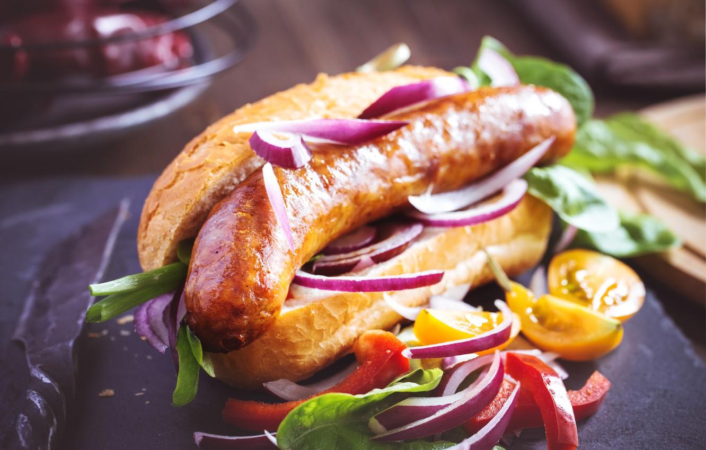Фото обои перец, овощи, помидоры, колбаса, хот-дог, булочка, vegetables, sausage