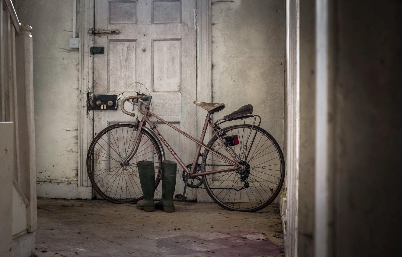 Обои велосипед, Дверь, сапоги. Разное foto 7