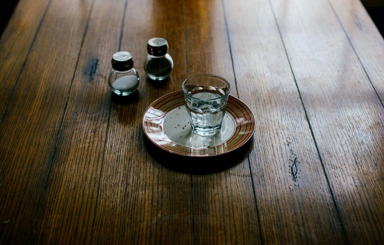Картинки стопка водки на столе