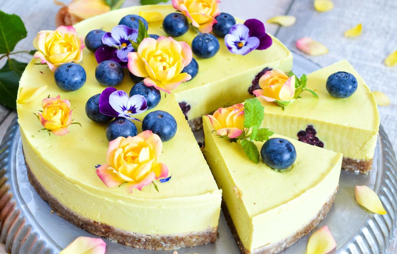 Фото обои розы, торт, голубика, чизкейк