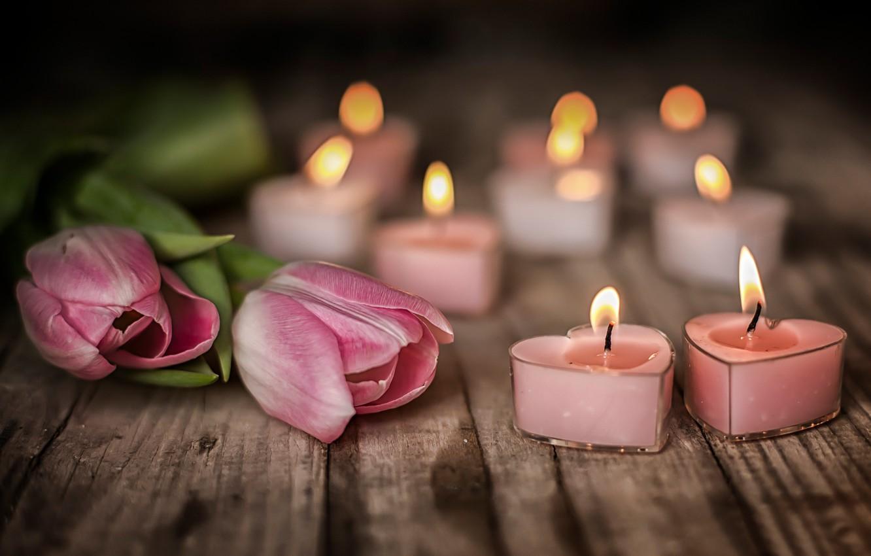 Фото обои цветы, настроение, доски, свечи, тюльпаны