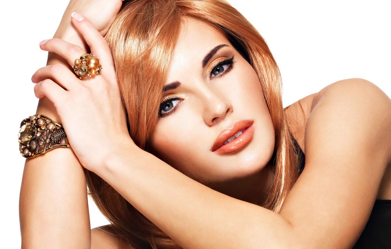 Фото обои взгляд, девушка, модель, макияж, кольцо, браслет, украшение, рыжие волосы