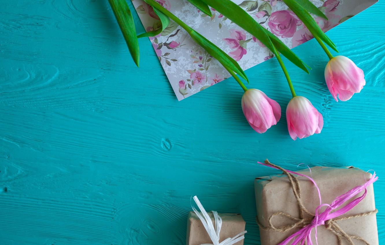 Фото обои цветы, подарок, тюльпаны, розовые, wood, pink, flowers, romantic, hearts, tulips, gift, spring