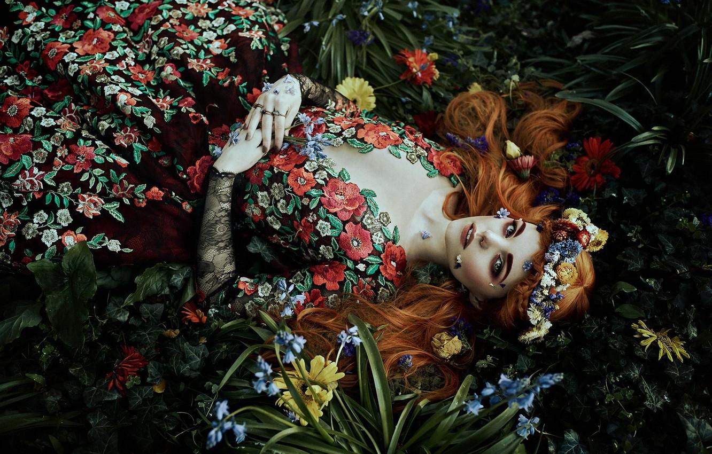 Фото обои взгляд, девушка, цветы, стиль, настроение, платье, венок, Bella Kotak, Jodi Lakin
