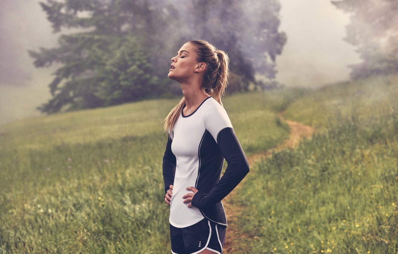 Фото обои shorts, model, Nina Agdal, breathing, fitness, uniform, sports form