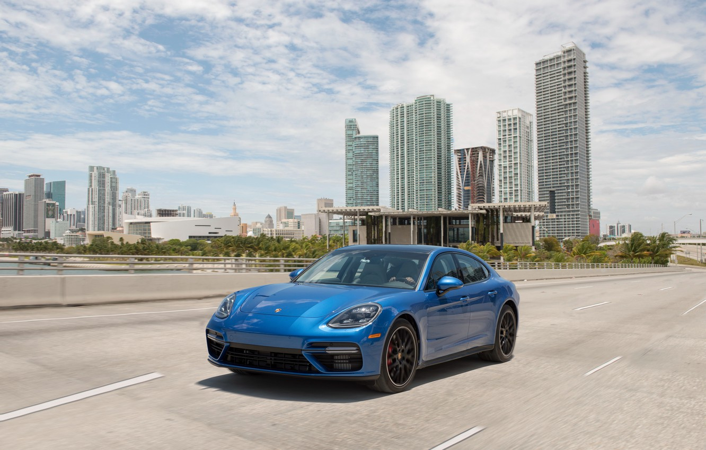 Фото обои дорога, авто, синий, город, скорость, Porsche, Panamera, turbo, порше, blue