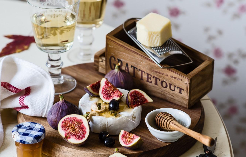 Фото обои вино, бокал, сыр, мед, инжир