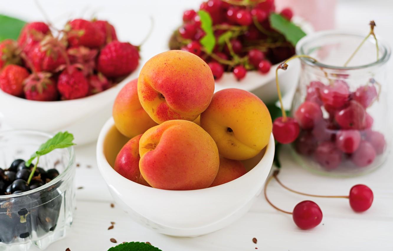 Обои малина, абрикос, бокал. Цветы foto 11