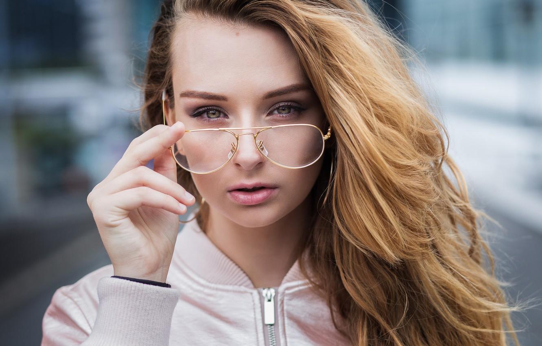 Фото обои девушка, портрет, макияж, очки, куртка, прическа, симпатичная, Vincent Chassin, Zoé