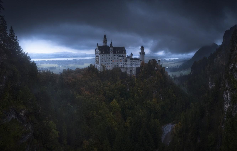 Фото обои лес, тучи, замок, Германия, Бавария, Нойшванштайн