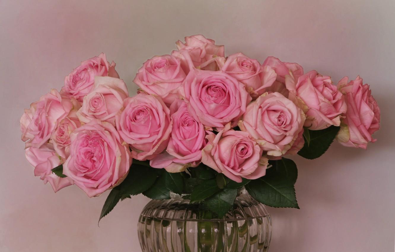 непосредственной близости розовые розы по краям фото букетов живая машина
