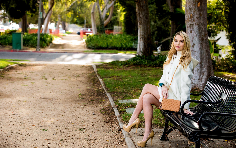 фото девушкиных пызд в парке на улицах руках меня