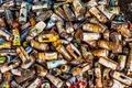 Картинка мусор, спрей, баллоны, ржавые, пустые