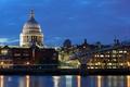 Картинка мост, огни, река, Англия, Лондон, здания, дома, вечер, фонари, набережная, дворец