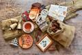 Картинка Xmas, Новый Год, Merry Christmas, New Year, Christmas, wood, колокольчики, decoration, vintage, украшения, happy, шишки, ...
