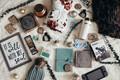 Картинка шапка, телефон, бутылочка, книги, флетлей, вещи