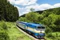 Картинка локомотив, железная дорога, небо, лес, деревья, вагоны, Locomotive, путь, Railroads